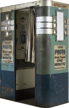 Original Photomatic photo booth, Machine No. DP 3 Image © and courtesy of The Powerhouse Museum Vintage Love, Vintage Ads, Vintage Photos, Vintage Antiques, Vintage Stuff, Photo Booth Machine, Vintage Photo Booths, Childhood Days, Great Memories