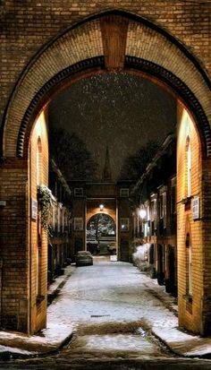 Snow Midnight.. Maida Vale, London (by Dimmilan on Flickr).  Very close by to my childhood home.