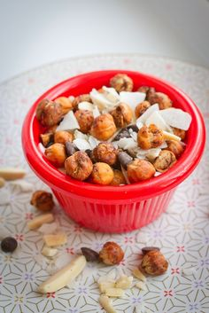 Pumpkin Spice Roasted Chickpea Trail Mix 14 Delicious Portable Snacks You'll Want To Eat Everywhere Dog Food Recipes, Cooking Recipes, Healthy Recipes, Healthy Sweets, Healthy Breakfasts, Chickpea Recipes, Gf Recipes, Healthy Foods, Sweet Recipes