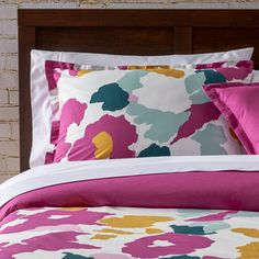 Features:Twin contains 1 duvet cover and 1 standard shamFull/Queen 1 duvet cover and 2 standard shamsKing contains...