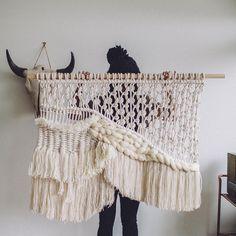 "557 Me gusta, 25 comentarios - Renata Stone | Knottery Art (@renatastone) en Instagram: ""Rainy days are perfect for a cozy rope slay. @jessdowner #knotteryart"""