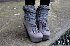 Knit Socks and Suede Boots. Love the boots not so much the socks Ugg Boots, Combat Boots, Shoe Boots, Shoe Bag, Ankle Boots, Boot Heels, Suede Heels, Shoes Heels, Shoes Pic