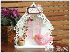 Enfeite de Maternidade - Casa de Passarinho II Diy And Crafts, Arts And Crafts, Paper Crafts, Milk Carton Crafts, Birthday Table Decorations, Crochet Christmas Gifts, Bird Houses Painted, Bird Party, Shabby Chic Crafts
