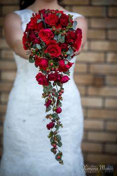 Ramo Novia / Bride Bouquet / Ideas Matrimonio / Wedding ideas Bride Bouquets, Wedding Ideas, Wedding Bouquets, Boyfriends, Bridal Bouquets, Wedding Ceremony Ideas