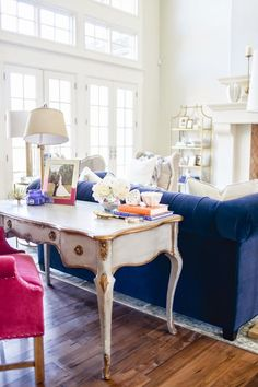 Preppy & dreamy living room | Daily Dream Decor | Bloglovin'