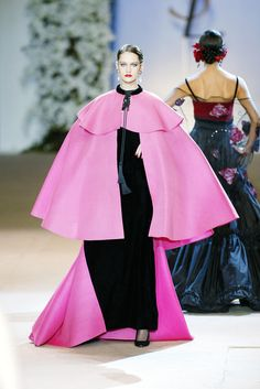 Yves Saint Laurent at Couture Spring 2002 - Runway Photos