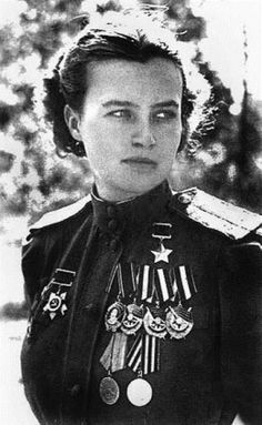 "Natalya Meklin, a WWII Soviet combat pilot who won numerous awards (the Hero of the Soviet Union being the most notable one). She flew 980 night combat missions with the ""Night Witches"" (Nachthexen) - as their German opponents nicknamed them. Women In History, World History, Great Women, Amazing Women, Mädchen In Uniform, Interesting History, Military History, World War Two, Strong Women"