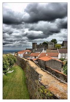 Trancoso - perto da Guarda Braga Portugal, Visit Portugal, Portugal Travel, Beautiful Places In The World, Beautiful Places To Visit, Great Places, Backpacking South America, South America Travel, Portugal Holidays
