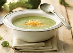Broccoli has been an all-time favourite vegetable in Milk Calendar recipes over the past 35 years. This easy, irresistible soup that was first featured in 2000 makes broccoli shine again – especially when topped with Canadian Cheddar or Gruyère cheese. Broccoli Lemon, Broccoli Cheddar, Lunch Recipes, Soup Recipes, Cooking Recipes, Cooking Tips, Healthy Recipes, Pear And Ginger Cake, Brocoli Soup