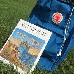 van gogh and un blue kanken Mochila Kanken, Kanken Backpack, Art Hoe Aesthetic, Aesthetic Images, Aesthetic Photo, Vincent Van Gogh, Adventure Tumblr, Different Aesthetics, This Is A Book