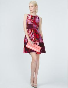 Love the dress and the bag! Great for a wedding or garden party.