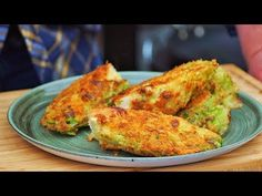 2 sposoby na młodą kapustę / Oddaszfartucha - YouTube Polish Recipes, Vegan, Cabbage, Dessert Recipes, Make It Yourself, Vegetables, Cooking, Youtube, Friends