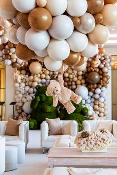 Baby Shower Decorations Neutral, Boy Baby Shower Themes, Gender Neutral Baby Shower, Baby Shower Balloons, Baby Shower Parties, Baby Boy Shower, Baby Shower Safari, Baby Shower Balloon Decorations, Baby Shower Venues
