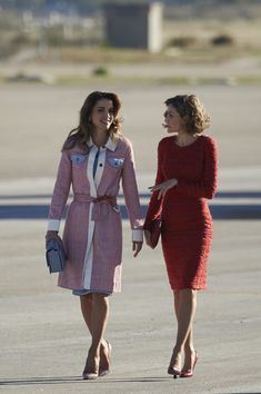 November 2015 - We Dare You to Find One Flaw in Queen Letizia of Spain's Outfits - Photos