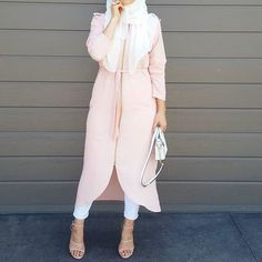 Absolutely in love with this @modestyinstyle tunic and chiffon hijab. They are from their latest range and comes in a variety of colours but i personally think this soft pink is a cracker for summer Btw go check out @modestyinstyle_sydney and make sure you follow them!