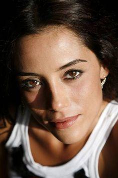 Cansu Dere (d. 14 Ekim 1980) Türk manken, sunucu, oyuncu. terazi-libra Septum Ring, Eyes, Pretty, Akshay Kumar, Image, Nice, Fashion, Woman Face, Actresses