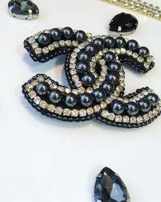 Image gallery – page 838232549367795994 – artofit Bead Embroidery Jewelry, Beaded Embroidery, Beaded Jewelry, Beaded Bracelets, Jewelry Tree, Jewelry Crafts, Chanel Jewelry, Jewelery, Brooches Handmade