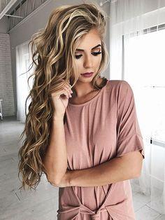 23 largos peinados rizados rubios
