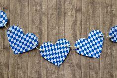 Nicht mehr lang.... und es geht auf zur Wiesn! http://de.dawanda.com/product/63771267-Herzige-Bavaria-Girlande-mit-10-Herzen