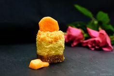Vegan carrot cheesecake recipe (sugar free, dairy free, gluten free, guilt free, no bake) Carrot Cheesecake, Cheesecake Recipes, Dairy Free, Gluten Free, Hand Painted Mugs, Delicious Vegan Recipes, Guilt Free, Cornbread, Sugar Free
