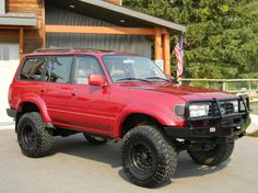 Land Cruiser - Just a picture, no link. Could be a DD if done right. Toyota Lc, Toyota Trucks, Toyota Cars, Toyota 4runner, Land Cruiser Fj80, Toyota Land Cruiser, Landcruiser 80 Series, Best Off Road Vehicles, Off Road Adventure