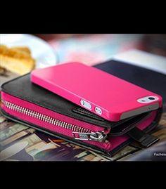 Carri Zipper Wallet per iPhone 5 Black/Fuchsia: -Di alta qualità in pelle sintetica con zip a portafoglio; -Include Granite Case Ultra Slim(rosa) per la massima protezione; -Tasca per iPhone 5 ed accessori vari; -Ampio Slot per tessere o fogli; -Protezione completa del corpo per prevenire e proteggere il tuo iPhone 5 da graffi, danni e polvere; Incluso nella confezione 1 Granite Case Ultra Slim, 1 Screen Protector Crystal & 1 panno di pulizia in microfibra.