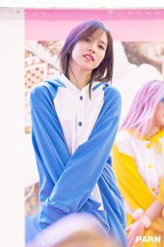 Mina being a cutie Twice Mina South Korean Girls, Korean Girl Groups, Akira, San Antonio, Sana Momo, Twice Korean, Twice Fanart, Myoui Mina, Twice Kpop