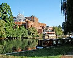 The Royal Shakespeare Theatre alongside the River Avon, Stratford-upon-Avon, United Kingdom. Birthplace of the playwright and poet William Shakespeare