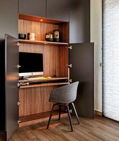 Home office: thuiswerken in uw bureau op maat Home Office Closet, Home Office Space, Home Office Design, Living Tv, Desk In Living Room, Interior Design Programs, Best Interior Design, Diy Apartment Decor, Built In Bookcase