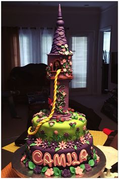 Rapunzel cake I enjoyed a lot making this cake, is one of my favorites!