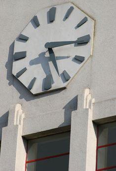 991 Great West Road Art Deco Clock