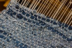 Weaving my denim strip rug - made out of old jeans! Warp: Undyed Linen from WEBS Weaving Textiles, Weaving Art, Loom Weaving, Hand Weaving, Tapestry Weaving, Jean Crafts, Denim Crafts, Denim Rug, Rug Loom