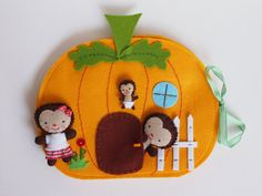 The Hoge Hedgehog's orange pumpkin house by PocketsbyJam on Etsy Sewing For Kids, Diy For Kids, Felt Doll House, Pumpkin House, Felt Stories, Felt Quiet Books, Felt Applique, Toddler Gifts, Felt Crafts