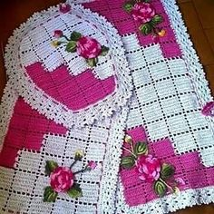Bath Crochet Patterns Part 5 - Beautiful Crochet Patterns and Knitting Patterns Crochet Stitches Patterns, Cross Stitch Patterns, Knitting Patterns, Crochet Kitchen, Crochet Home, Crochet Gratis, Free Crochet, Crochet Videos, Bathroom Sets