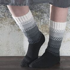 Ohje: Neulotut Kaiku-sukat | Lankava.fi Crochet Socks, Knitting Socks, Crochet Yarn, Crochet Stitches, Knitting Designs, Knitting Patterns, Wool Socks, Knitting Accessories, Diy Clothing