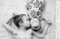 Really sweet image..  Google Image Result for http://amycolumbusphotography.com/blog/wp-content/uploads/2012/02/sibling-photography-pose.jpg