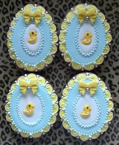 42 Ideas baby shower girl cupcakes frostings for 2019 Baby Cookies, Baby Shower Cookies, Easter Cookies, Easter Treats, Holiday Cookies, Cupcake Cookies, Sugar Cookies, Cookie Favors, Flower Cookies