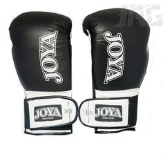 The New and improved [JOYA FIGHTER KICKBOXING GLOVE]  A new generation of kickboxing glove: Material: High quality premium all leather construction - Grey with Green logo - Velcro fastening all the way up the glove with a comfortable short elastic velcro - Secure fit - Polyester lining offers superior fit - All mesh for better cooling. Mma Hoodies, Mma T Shirts, Kickboxing Gloves, Mma Gloves, Green Logo, Black Dragon, Martial Artist, Leather Gloves, Mesh