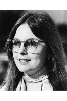 8f63b14c4081d9 78 meilleures images du tableau Vintage   Celebs, 1970s sunglasses ...