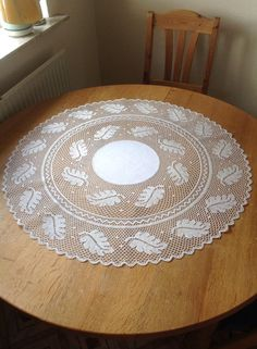 Jytte Bjork Olsen Bjork, Lacemaking, Bobbin Lace, Olsen, Projects To Try, Outdoor Blanket, Floral, Home Decor, Chrochet