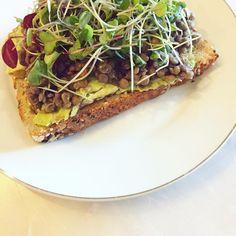 Lentil and Microgreen Plantist Toast | Plant Based Pins | www.theplantists.com