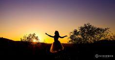 Ensaio feminino, ar livre, sol, serra, lago, gramado e canela rio grande do sul, schirmer fotografia