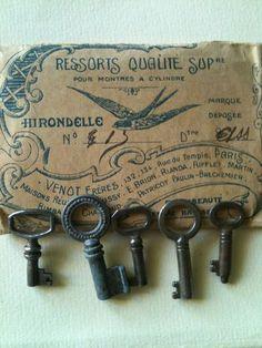 Small vintage keys
