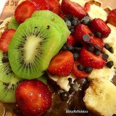 Yorgunluğunuzu Abbas'ta, bol meyveli bir waffle'la tatlı hale getirin! Fruit Salad, Ankara, Waffles, Food, Fruit Salads, Essen, Waffle, Meals, Yemek