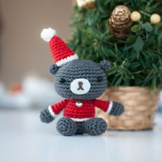 Christmas teddy - I'm going to try making a plain brown one ;)