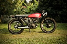 1976 Honda CG125 brat style, Build by Windchaser Motorcycle, Chiang Rai, Thailand