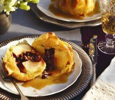 Apple-pie dumplings with caramel sauce