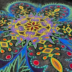 Beautiful sand mandalas by Joe Mangrum.
