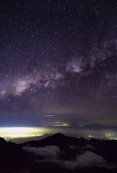 Milky Way Galaxy mstrkrftz: Milky way shining brightly above Rinjani Mountain, Lombok, Indonesia - Astronomy Pictures, Sunset Images, Our Solar System, To Infinity And Beyond, Lombok, Milky Way, Science And Nature, Stargazing, Natural Wonders