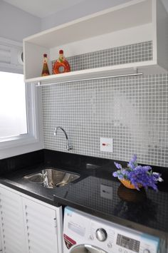 Lavanderia Outdoor Laundry Rooms, Small Laundry Rooms, Room Interior, Interior Design Living Room, Living Room Designs, Kitchen Room Design, Laundry Room Design, Laundry Room Cabinets, Bedroom Wardrobe